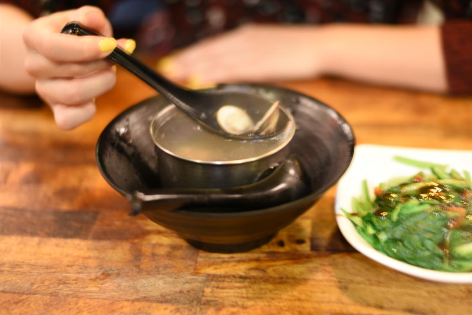 台湾 西門金鋒魯肉飯 あさりスープ